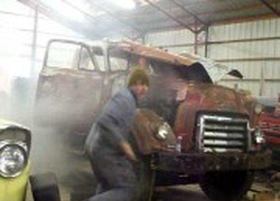 Old Guy Shuts Down a Runaway Diesel Engine