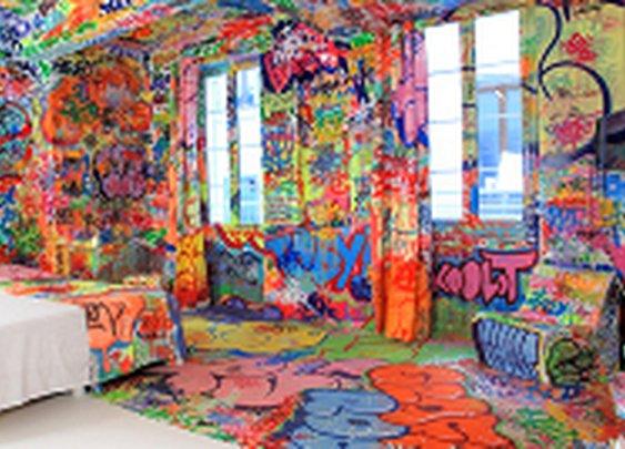Panic Room | 1/2 Graff 1/2 Blank