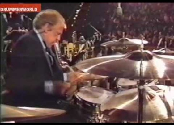 BUDDY RICH IMPOSSIBLE DRUM SOLO - YouTube