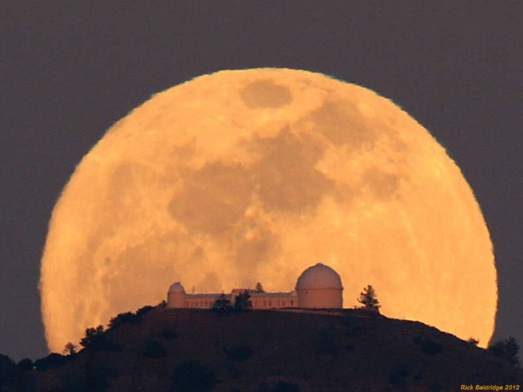 ❏ lick observatory moonrise by rick baldridge ❏