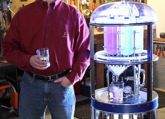 Drink-Slinging Droid   Popular Science