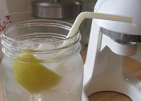 5 Reasons To Drink Lemon Water In The Morning | New Nostalgia
