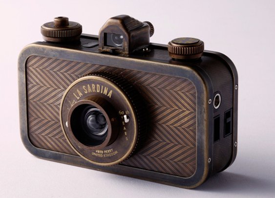 Fred Perry Lomography Camera
