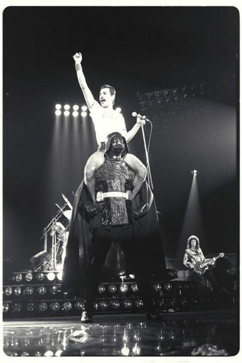 Freddie and Darth?  Yes, please!