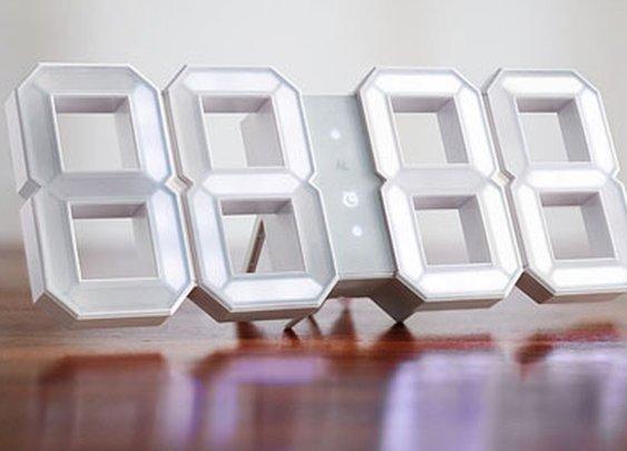 Vadim Kibardin's Black & White Clock Concept Goes White & White, is Still Awesome - Core77