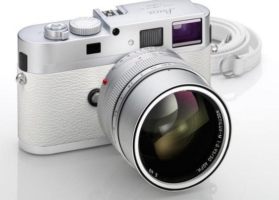 Leica M9-P...