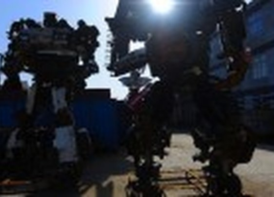 Chinese Artist Recycles Automobiles Into Transformer Robots