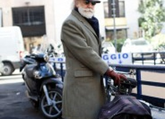 Again, Chic Cyclist Are Very Difficult to Catch, Milan « The Sartorialist