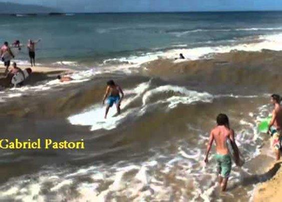 Waimea River - How to make waves      - YouTube