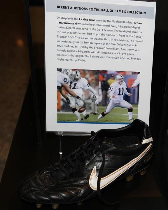 Janikowski's shoe on display in Canton