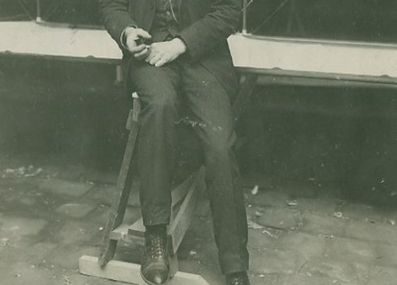 henri farman. hard stylin' aviation pioneer. 1907