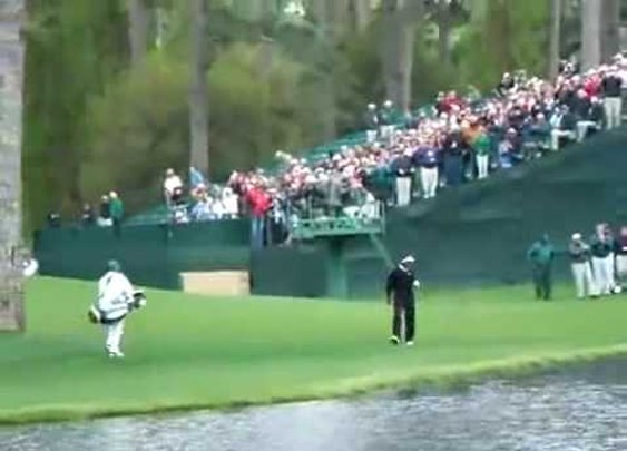 Vijay Singh Skips Ball Off Water [Hole-In-One]