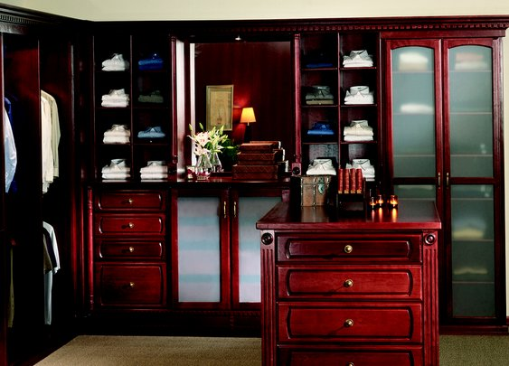 I want this closet.