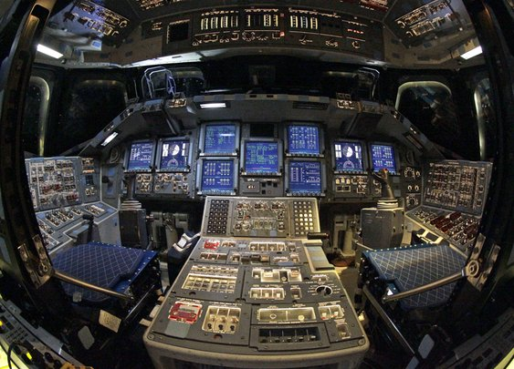 One Last Look At The Space Shuttle Endeavour's Cockpit Before It's Shut Down Forever - Business Insider
