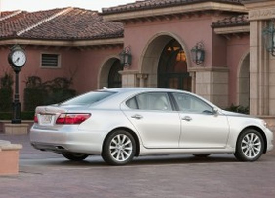 2012 Lexus LS -  TotalCarScore: 90/100