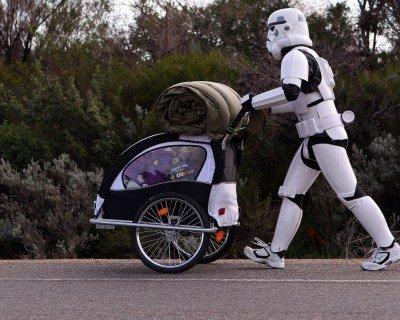 Man Walks Across Australia In Stormtrooper Armor to Raise Money For Kids