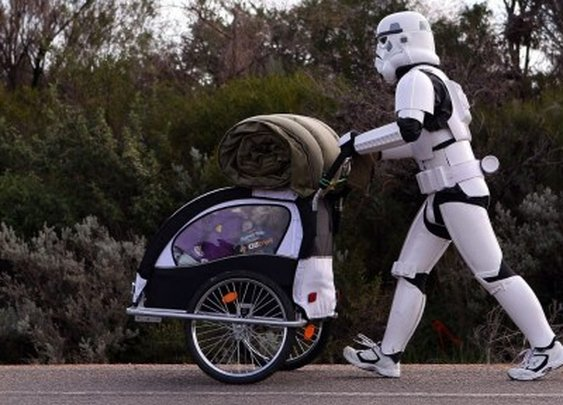 Man Walks Across Australia In Stormtrooper Armor to Raise Money For Kids
