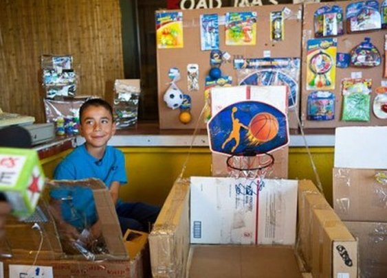 Kid's Cardboard Arcade Captivates the Internet