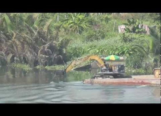 Saigon River (Excavator rowing Boat) Ho Chi Minh City