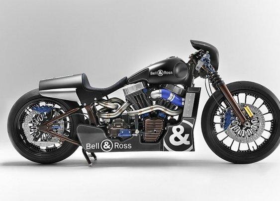 Custom Harley Cafe Racer is a show-off |  MenReport