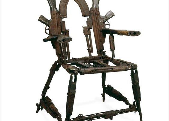 gun+chair.jpg (image)