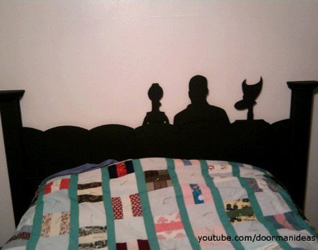 A Mystery Science Theater 3,000 Headboard | Geekologie