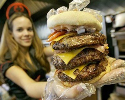 'Double Bypass Burger' at Heart Attack Grill Claims Another Victim
