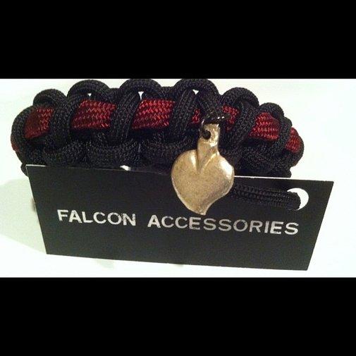 "Black Heart Paracord bracelet with milagro  6 7/8"""