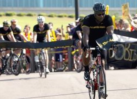 Bo Jackson Finishes 300-mile Tornado Relief Ride - weather.com