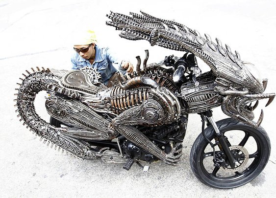 CONCEPT: Alien-themed Motorcycle