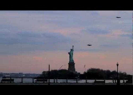 Flying People in New York City - YouTube