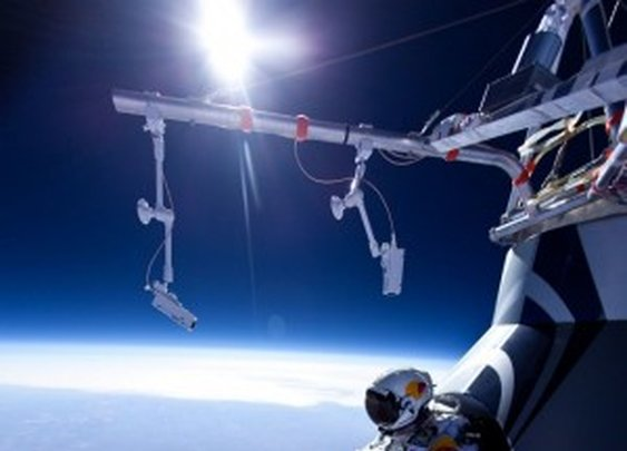 Man skydives from 13 miles above Earth, isn't satisfied (video) -- Engadget