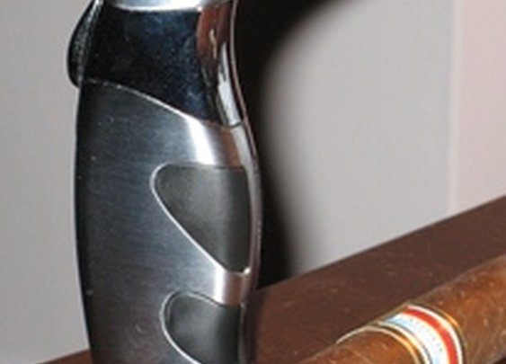 Review: Ergonomic Cigar Torch Lighter