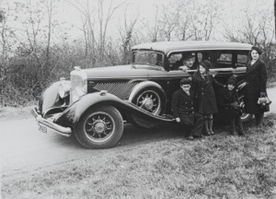 Old Cars in Old Photos: I Play Detective | Nick Palermo, Freelance Auto Writer |Living Vroom