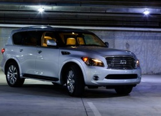 2012 Infiniti QX56 4WD: Drive Review | Nick Palermo, Freelance Auto Writer |Living Vroom