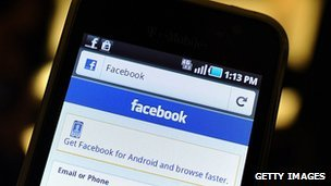 BBC News - Facebook app store launches amid mobile revenue worries