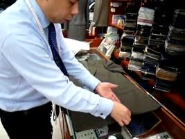 How to fold a suit to go in a suitcase without wrinkling. [VIDEO]