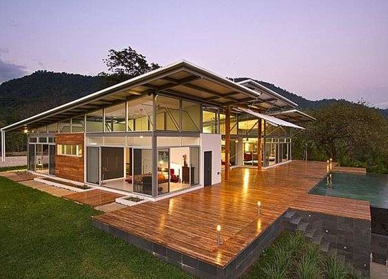 Luxurious home in Costa Rica adapts to the world outside