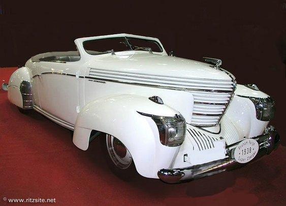 Car / 1939 Graham Model 97 Sharknose