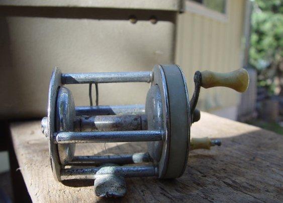 Shakespeare Triumph 1958 Antique fishing reel