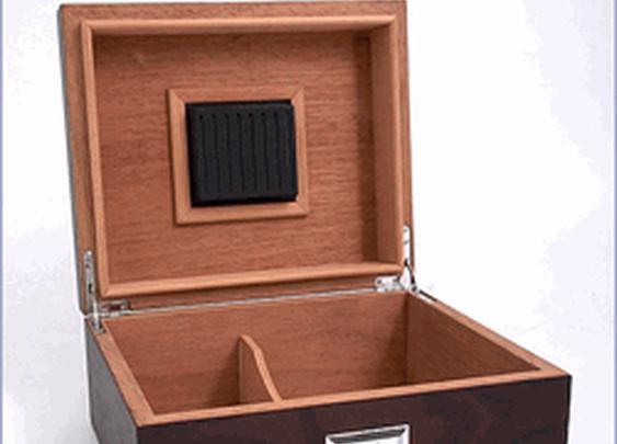 Spanish Cedar Lined Cigar Humidor With Hygrometer