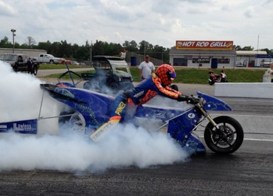 Lawless Rocket electric drag bike does quarter mile in 6.94 seconds, breaks 200 mph