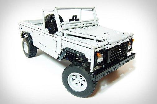 LEGO Land Rover Defender | Uncrate