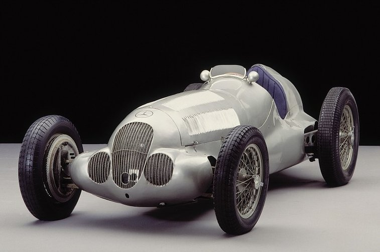 75th anniversary of the Mercedes Benz W125 Silver Arrow - 595 bhp and 750 kg in 1937 - Images