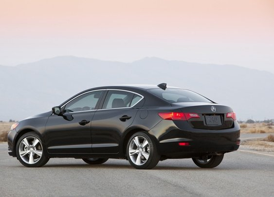 2013 Acura ILX - So new it doesn't have a TotalCarScore yet