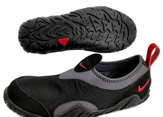 NIKE Aqua Socks