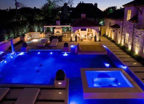Swimming pool to entertain