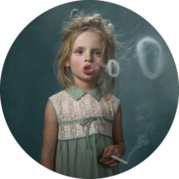 Awesome Robo!: Smoking Kids by Frieke Janssens