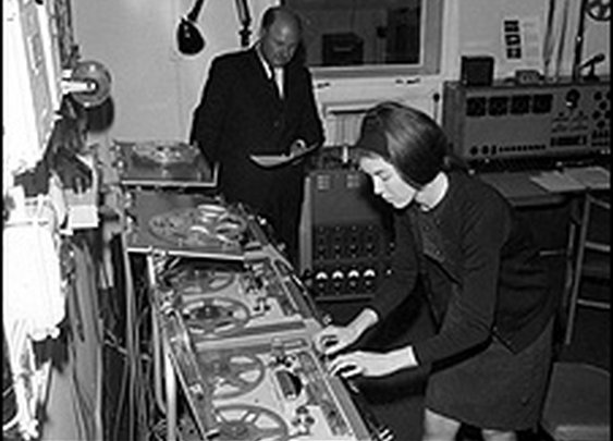 BBC NEWS | Entertainment | Lost tapes of the Dr Who composer