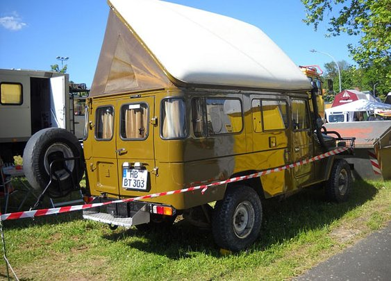 Pop-top Toyota Landcruiser Camper
